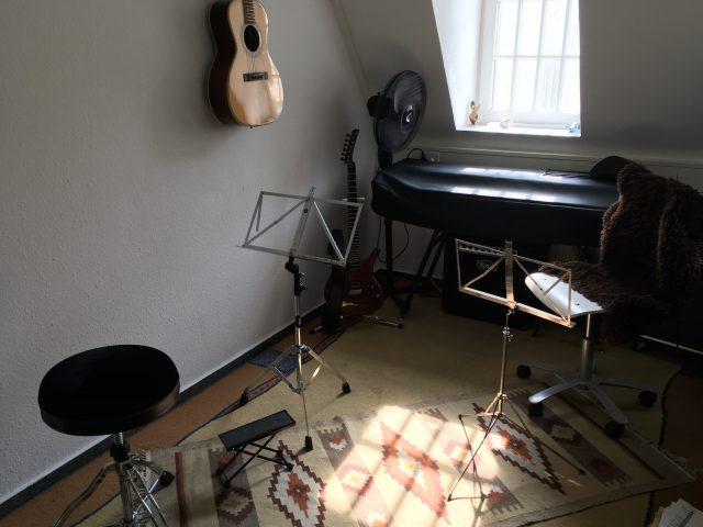 Sitzposition im Musikatelier